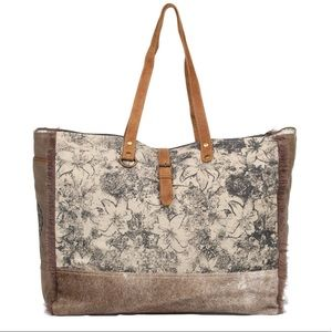 Handbags - 💥NEW💥 Floret Print & Hair On Hide Weekender Bag